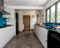 Tealby kitchen 1 1